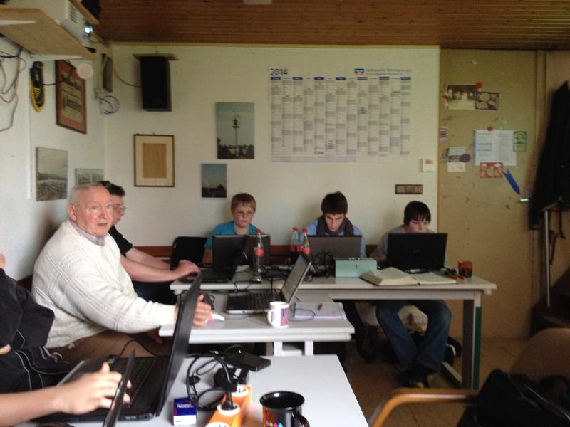 800 - Python-workshop - Junginformatiker forschen.jpeg